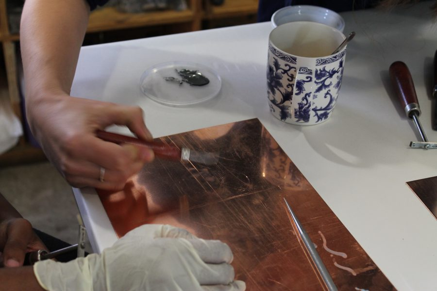 Master printer, Jill Ross demonstrates shading techniques and methods to build a line.