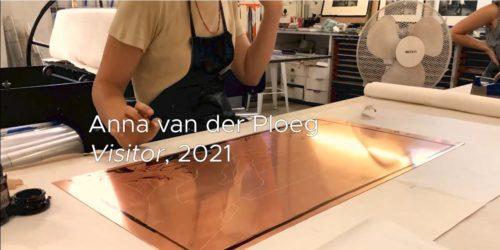 Anna van der Ploeg making The Negotiators with Spitbite video